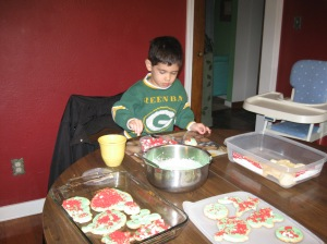 You have to decorate cookies wearing Packer clothes
